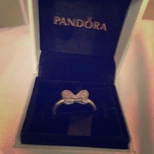Pandora Minnie Mouse sparkling bow ring